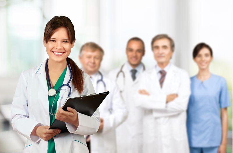 Auxiliar de enfermería, una profesión con futuro