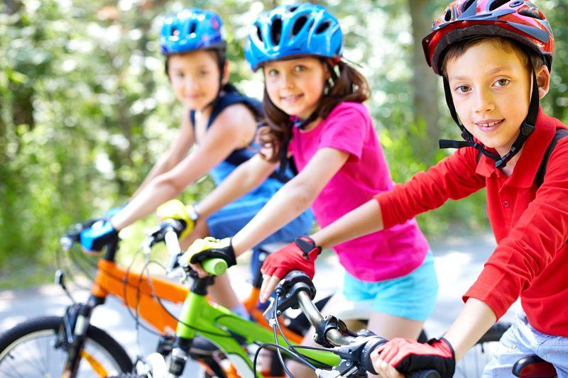 Enseñar a los niños a montar en bicicleta