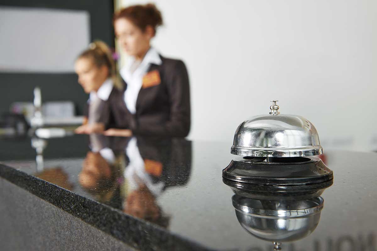 ¿Qué estudiar para trabajar como recepcionista de hotel?