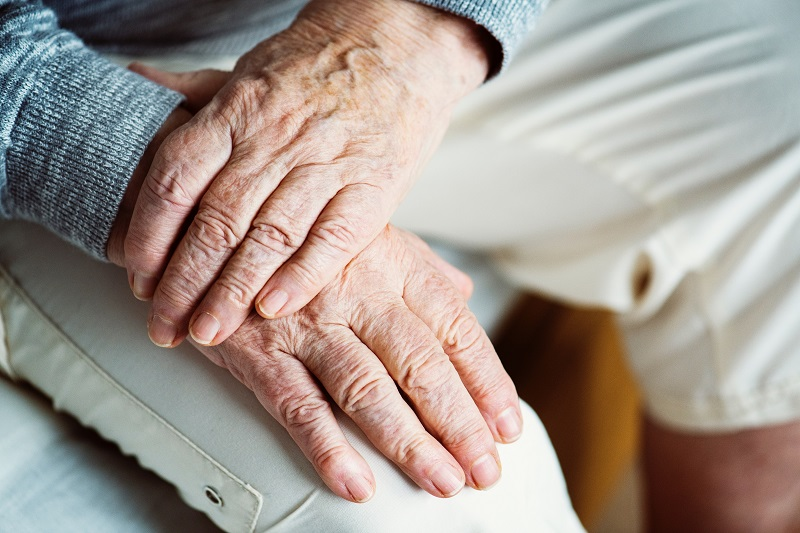 Diferencias entre una residencia de ancianos y un centro de día