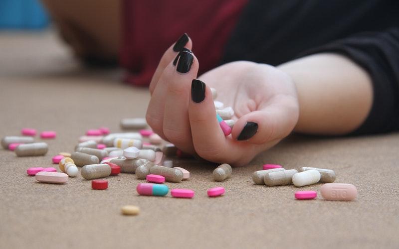 Cómo debe actuar un Técnico en emergencias sanitarias con pacientes bajo efectos de estupefacientes