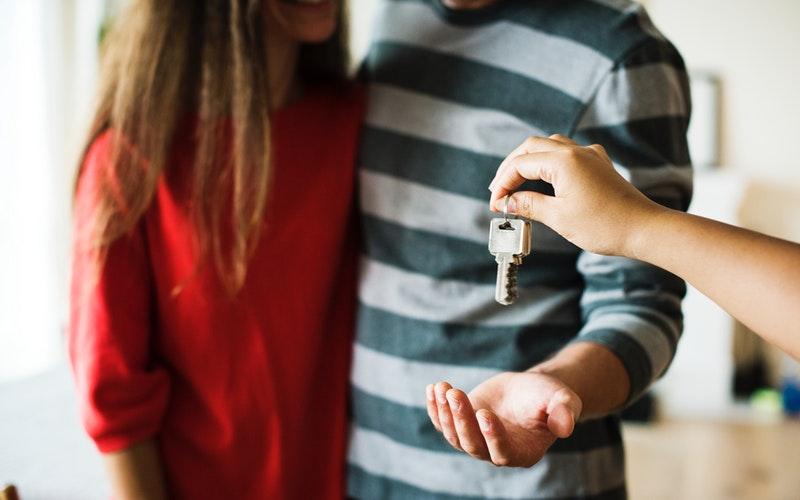 ¿Cuál es el papel de un director de una firma de alquiler de alojamientos turísticos?