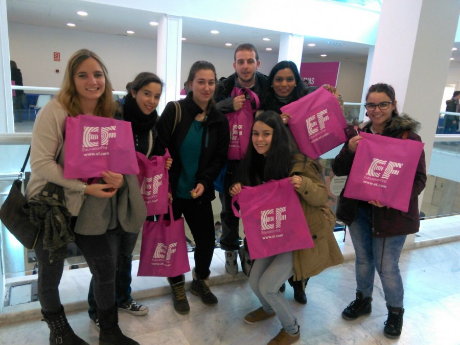 Los alumnos de TSEI asisten a la Feria de los Idiomas